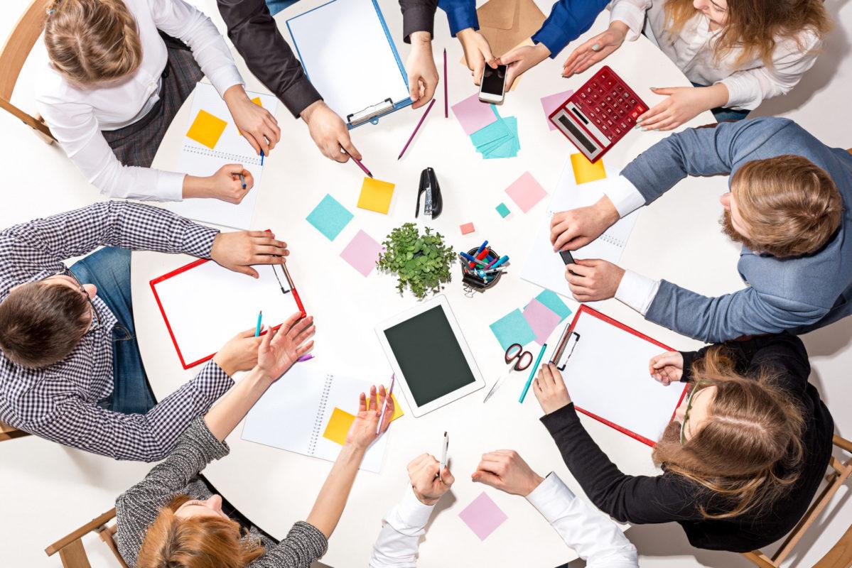 Teams: integra persone, contenuti e strumenti per comunicare e collaborare.